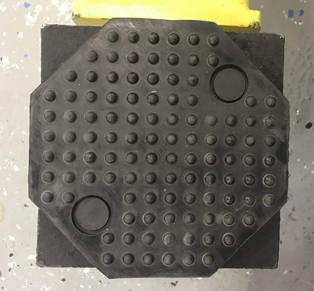 Large lifting pads